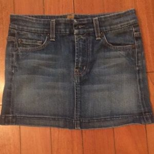 Jean skirt. Seven for all mankind